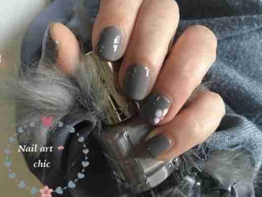 Come fare una Nail art molto schic