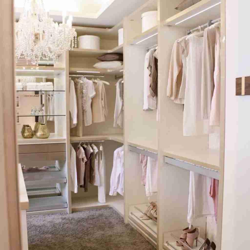 Come organizzare il guardaroba perfetto