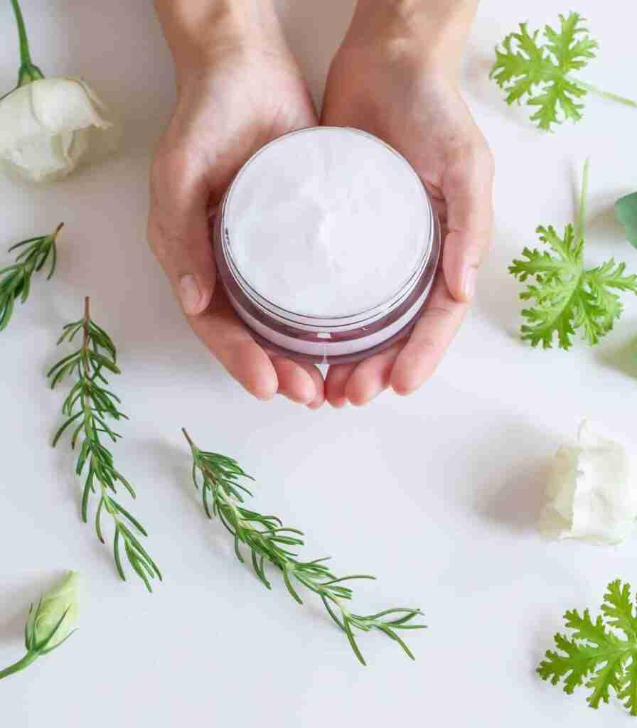 Crema idratante naturale per mani screpolate
