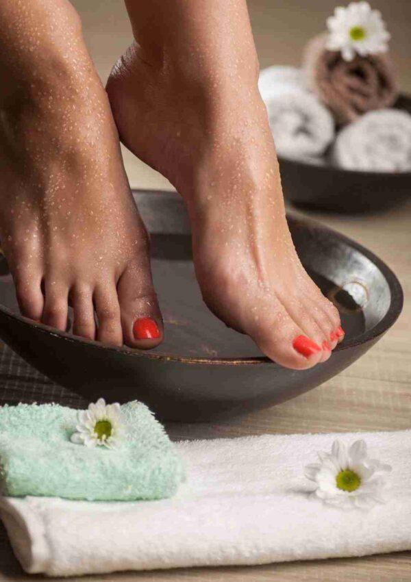 Scrub allo zucchero di canna per i piedi